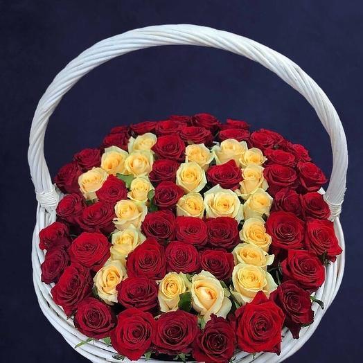 Розы  в корзине цифрой