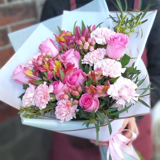 Букет с розой и диантусом