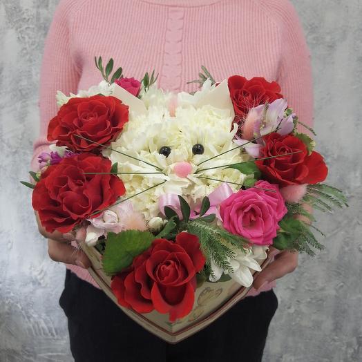 """Композиция """"Котёнок"""" в коробке: букеты цветов на заказ Flowwow"""