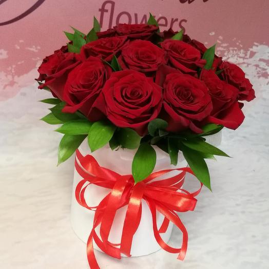 Коробка из 21 красной розы: букеты цветов на заказ Flowwow