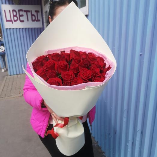 Конверт алых роз