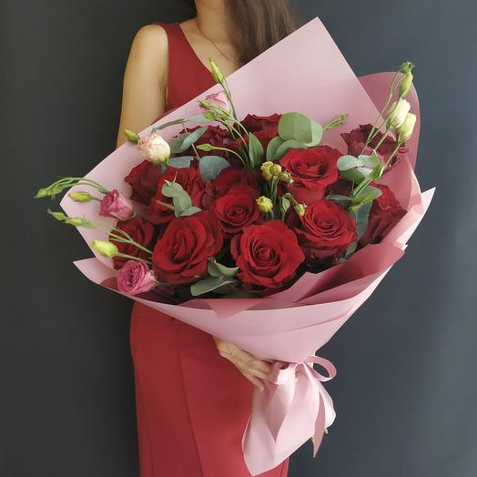 Букет бордовых страстных роз