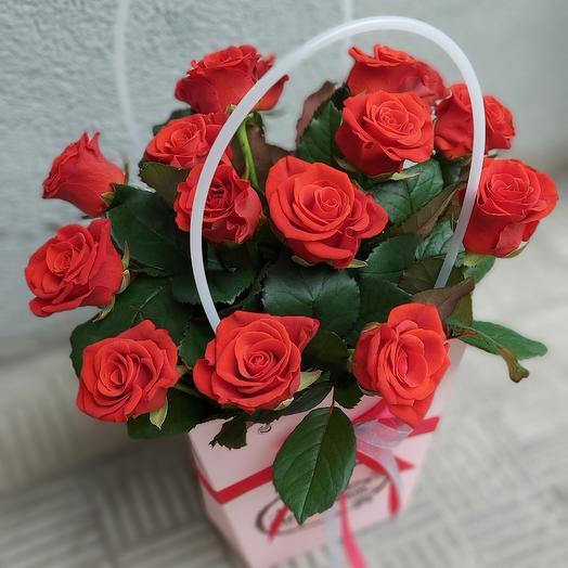 15 роз в сумочке