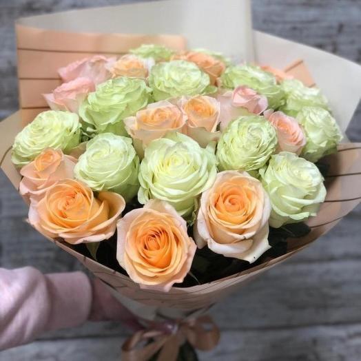 Букет из 23 роз в стильной упаковке