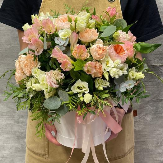 Нежная композиция с пионовидными розами