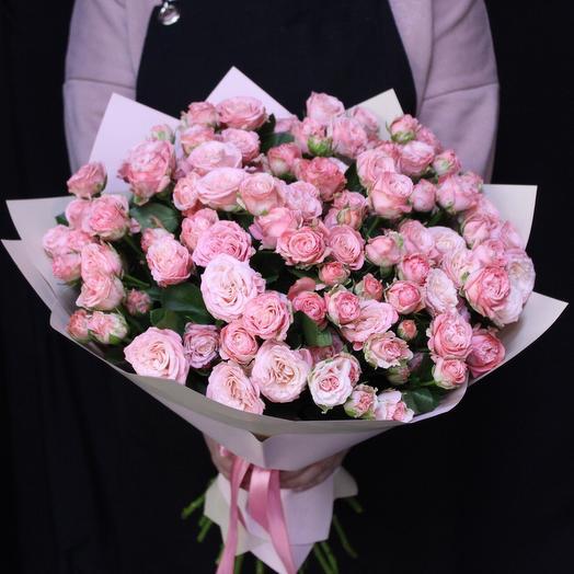 25 кустовых пионовидных роз