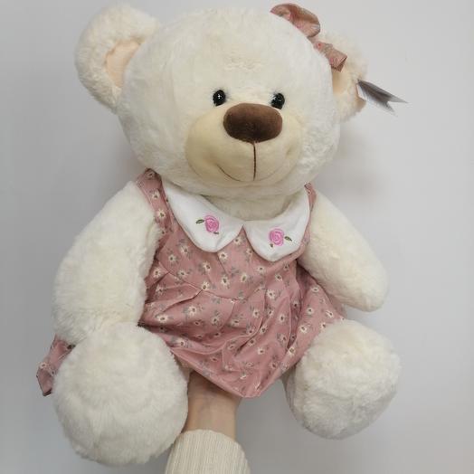 Медведица в розовом платье