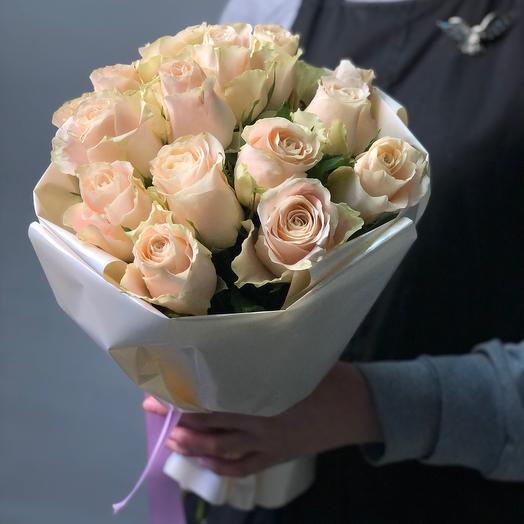 Букет из 17 Роз Шарман