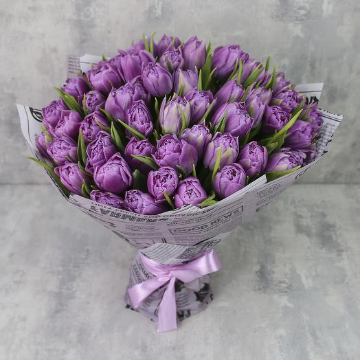 Букет из 51 тюльпана «Сиреневые пионовидные тюльпаны Дабл Прайс»