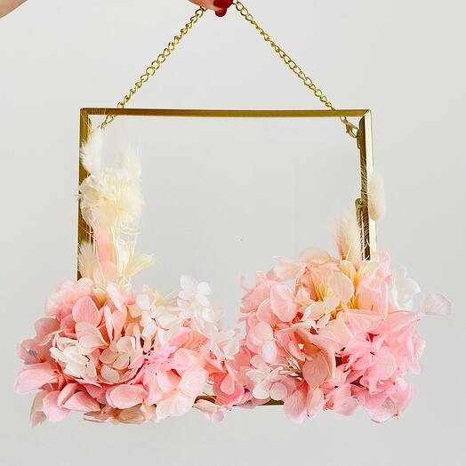 Рамка с декором из живых стабилизированных цветов