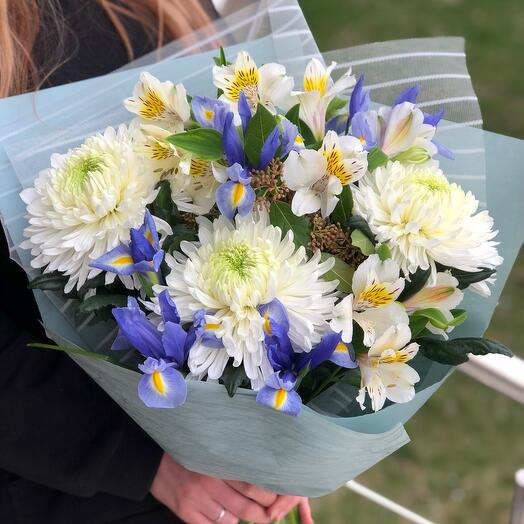 Bouquet with chrysanthemums and irises