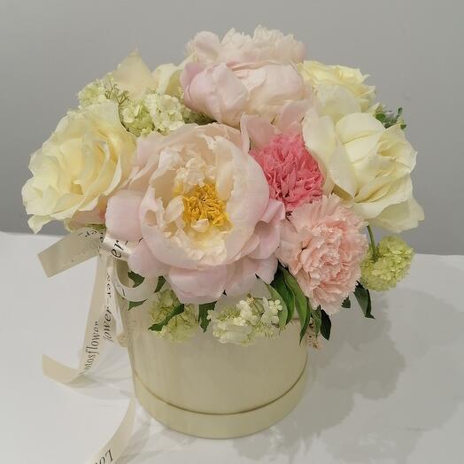 """Цветы в коробке""""самой нежной 🤗"""""""