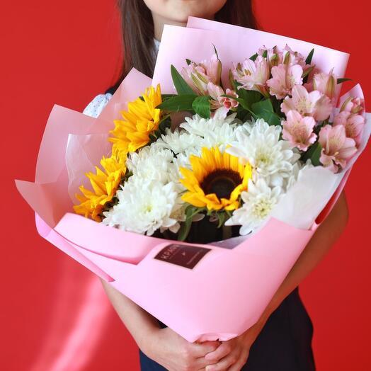 Букет с подсолнухами и хризантемами к 1 сентября