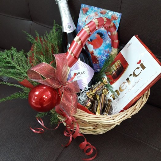 "Корзина ""Новогодняя1"": букеты цветов на заказ Flowwow"