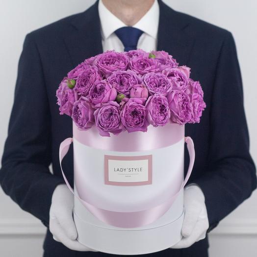 Кустовая роза Misty Bubbles в шляпной коробке M: букеты цветов на заказ Flowwow