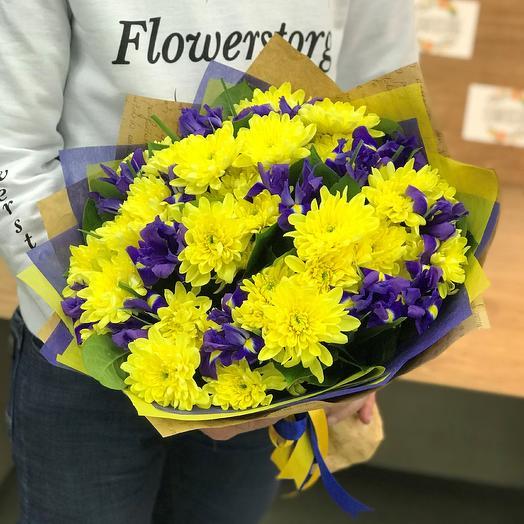 Монобукеты. Хризантемы желтая. Ирисы. N310: букеты цветов на заказ Flowwow