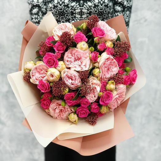 """Авторский букет из пионовидной розы, скимии """"Лучшие навыки"""": букеты цветов на заказ Flowwow"""