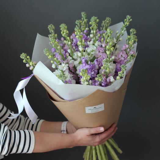 Букет их ароматной маттиолы: букеты цветов на заказ Flowwow