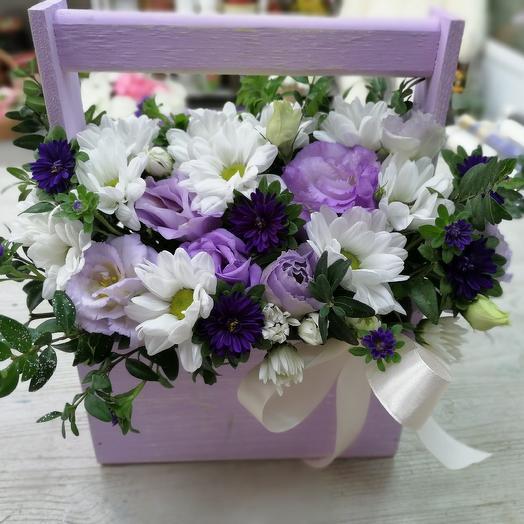 Букет эустом в ящичке: букеты цветов на заказ Flowwow