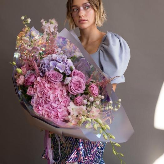 """Букет - гигант а голонраыической упаковке """"Скайфолл: букеты цветов на заказ Flowwow"""