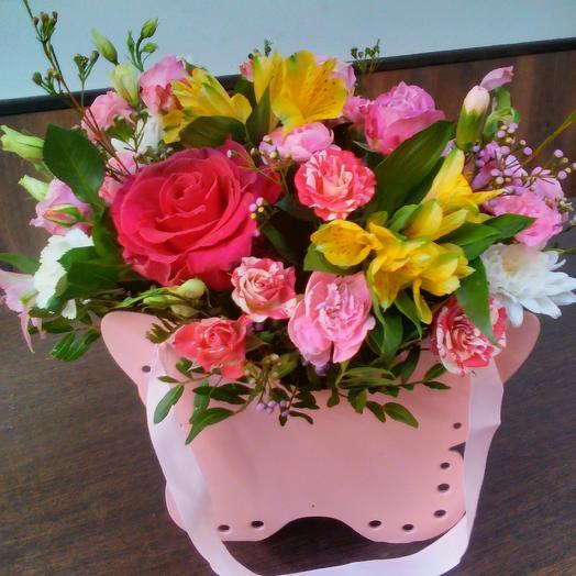 Розовая бабочка: букеты цветов на заказ Flowwow