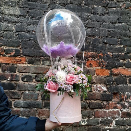 На большом воздушном шаре: букеты цветов на заказ Flowwow