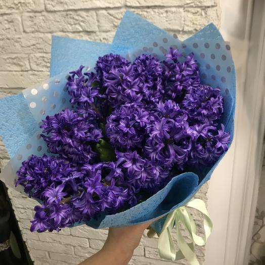 Шикарные ароматные гиацинты в стильной упаковке: букеты цветов на заказ Flowwow