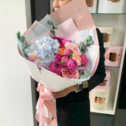 Монами: букеты цветов на заказ Flowwow