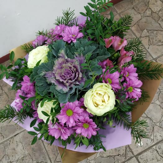 Букет с розами,брассикой и хризантемой: букеты цветов на заказ Flowwow