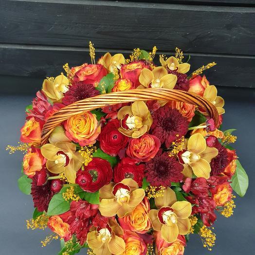 Корзина цветов с орхидеями: букеты цветов на заказ Flowwow