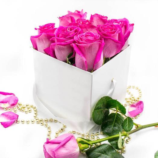 Белая коробка FLO365 из 9 розовых роз: букеты цветов на заказ Flowwow