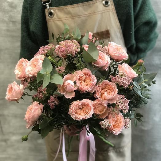 Шикарный букет из французской Розы Джульетт
