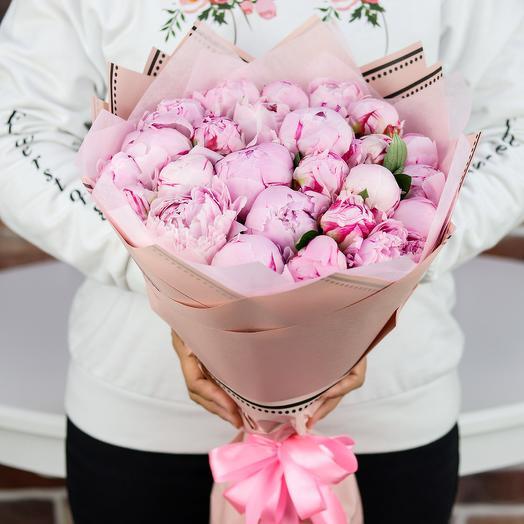 Букет из 25 розовых пионов. N780
