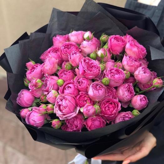 Букет из 19 кустовых пионовидных роз