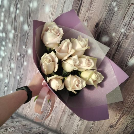 Bouquet of 9 delicate roses