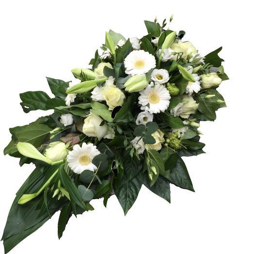 White flowerarrangement