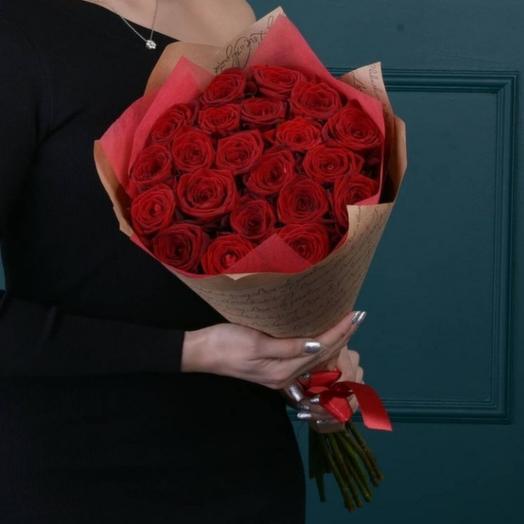 Букет из 25 роз с тортом