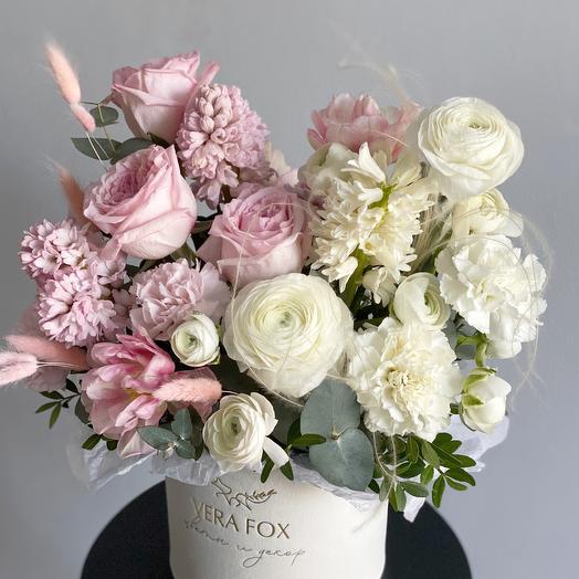 Коробка с цветами «Пудровый Вельвет»