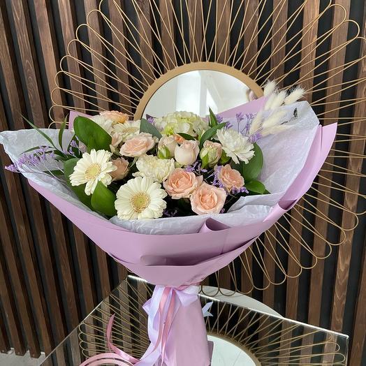 Букет Нежный с кустовой розой