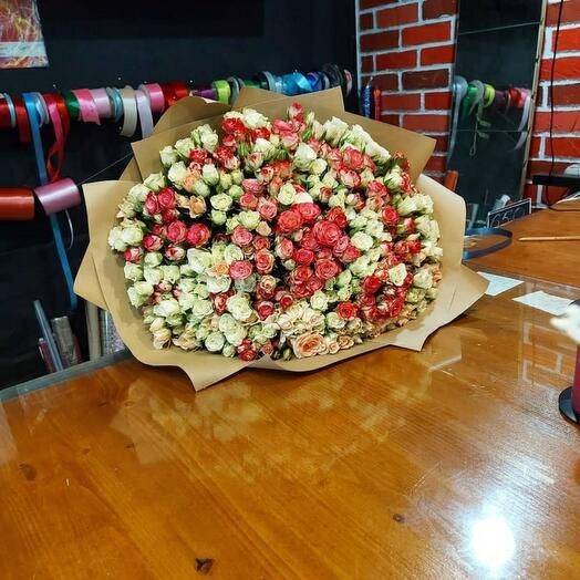 101 нежная кустовая роза