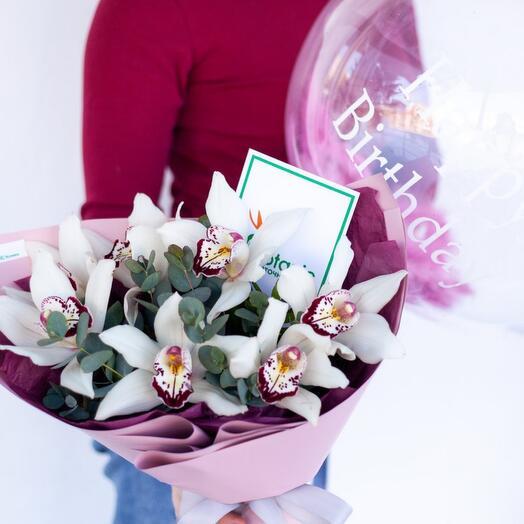 Букет орхидей и Шар Bubbles