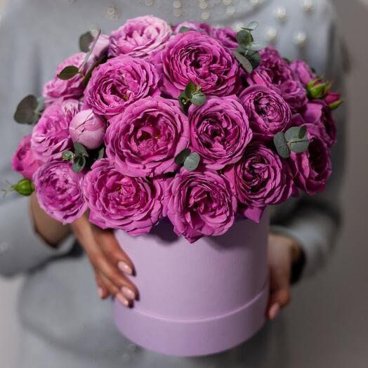 Композиция из пионовидных кустовых роз «Гармония чувств»