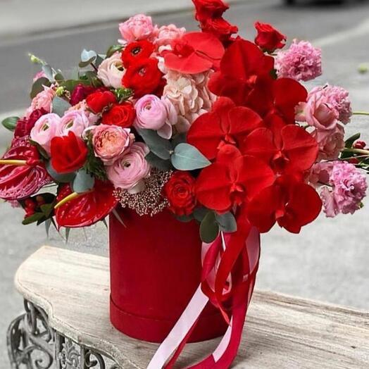 Цветы в коробке страсть