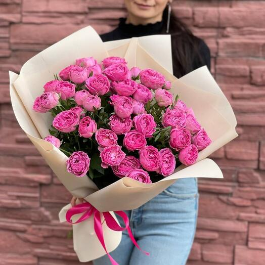 17 кустовых пионовидных роз