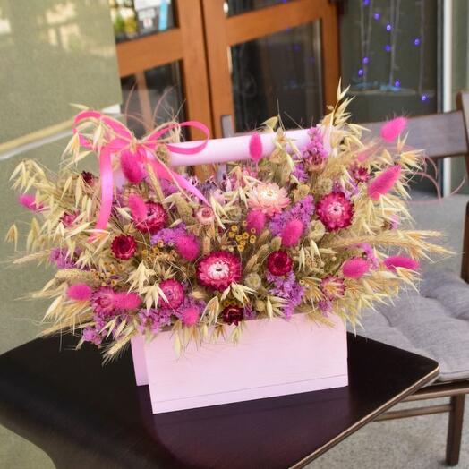 Яркое праздничное кашпо с сухоцветами