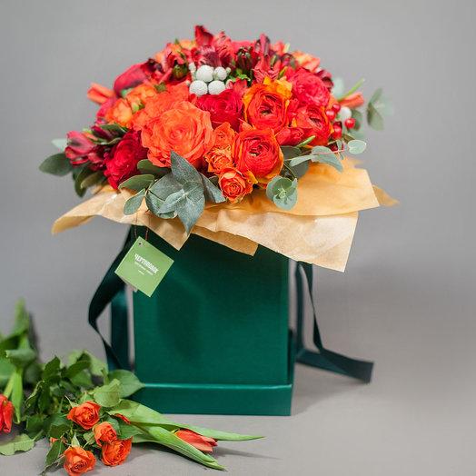 Коробка с розами Вдохновение: букеты цветов на заказ Flowwow