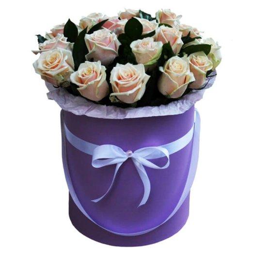 25 Роз в шляпной коробке Идиллия
