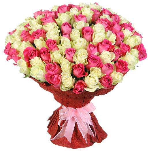 """Букет из 101 розовой и белой розы """"Романтика"""": букеты цветов на заказ Flowwow"""
