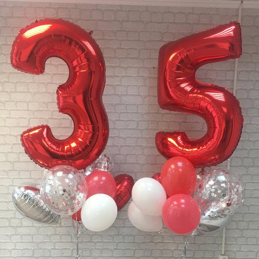 Композиция из шаров с двумя цифрами