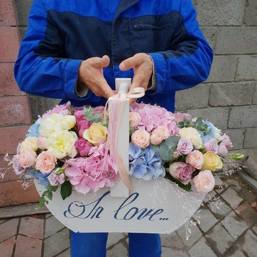 Мегакорзина: букеты цветов на заказ Flowwow